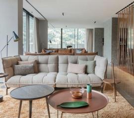Дизайнер Патрисия Уркиола разработала дизайн для отеля на берегу озера «Como» в Италии